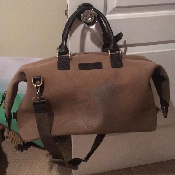 0275a1e7a3f8 Tommy Bahama overnight bag. M 5afb584cfcdc31e60a8d0d8e